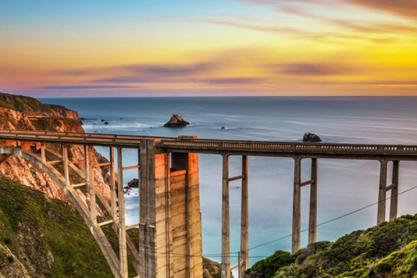 Hugging-the-Coast,-Bixby-Creek-Bridge