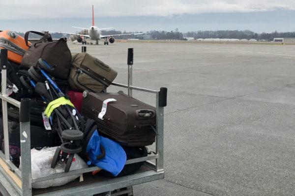 baggage-trolly
