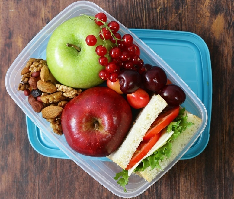 healthy long-haul flight snacks