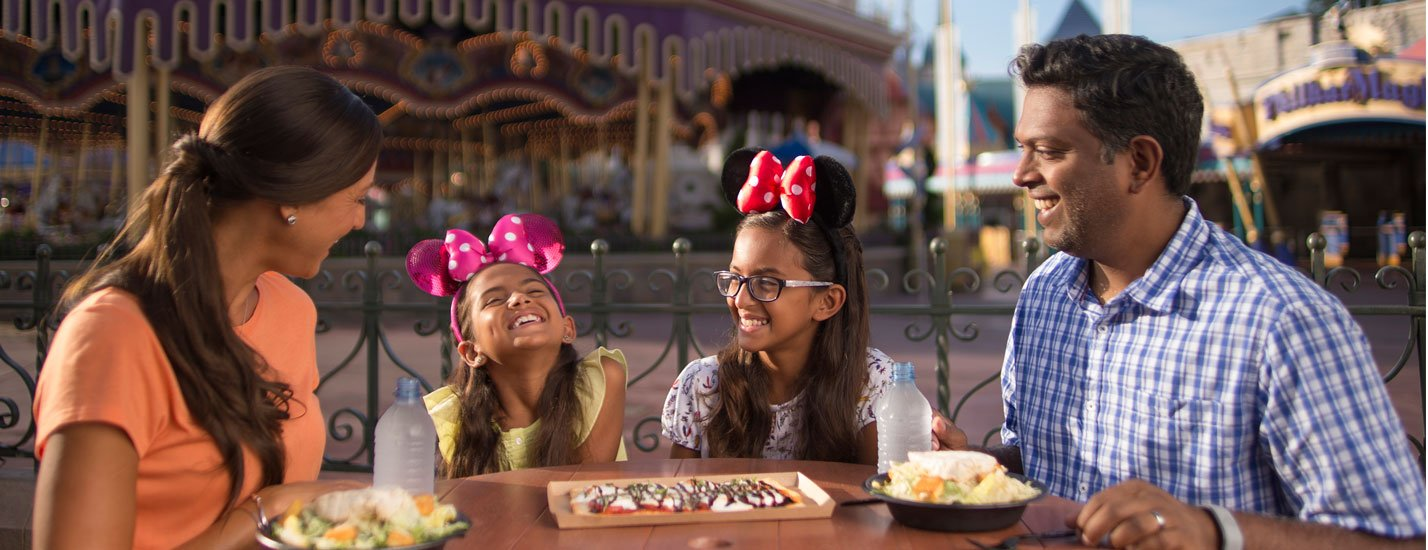 Everything you need to know about FREE Disney Dining and Drinks in 2020