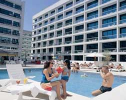 Golden Sands Apartments Pool
