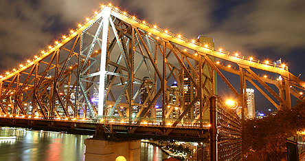 A bridge in Brisbane at night