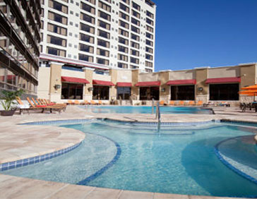 Ramada Plaza International Drive Pool