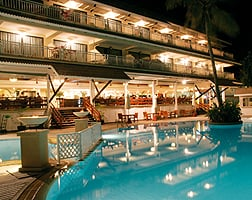 Cape Panwa Phuket_05_Pool night