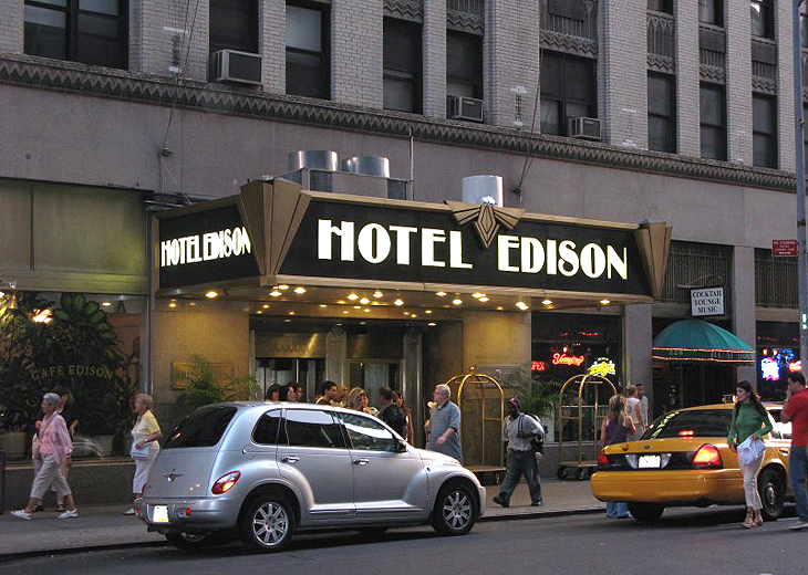 Cheap holiday deals at Edison Hotel New York with netflights.com