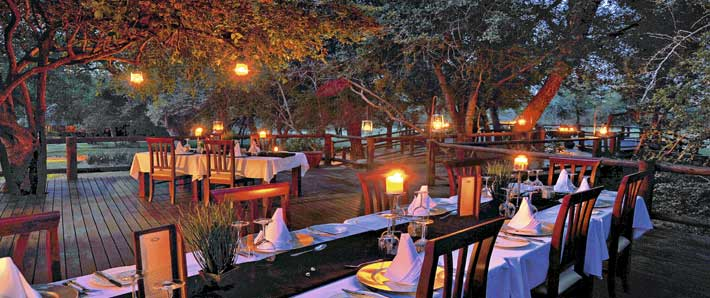 Shiduli Private Game Lodge dining area