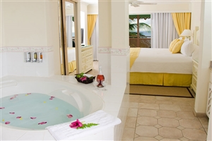 Beachfront luxury suite