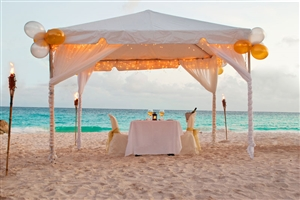 Dine on the beach