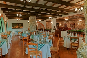 Dine at Occidental Grand Xcaret