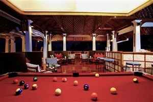 Lounge area with snooker table