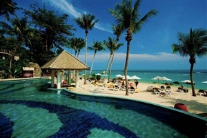 Centara Villas Samui private beach and pool area