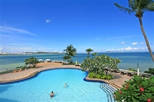 Pool area at Dusit Thani Pattaya