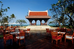 Outdoor dining at Centara Grand Beach Resort & Villas