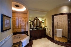 Royal Suite bathroom