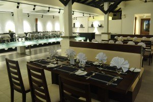 Dining options at Club Hotel Dolphin