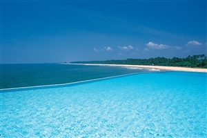 Endless sea views in Sri Lanka