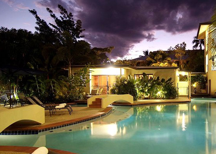 Cheap deals at meridian port douglas with for Affordable pools ri